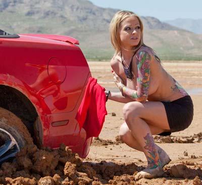 nude-girl-car-stuck-in-mud_gallery
